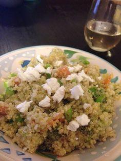 Quinoa, smoked salmon, avocado, green onions, lime juice, salt, pepper, seasoning, goat cheese... AMAZING!