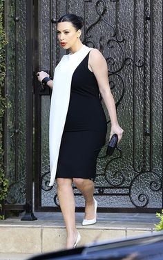 12dfe7ba5957 Kim in a black and white dress. Cute Maternity Outfits