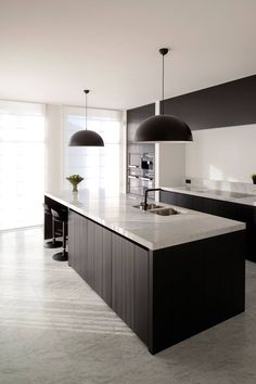 9 incredible modular kitchen designs 4 « A Virtual Zone Black Kitchen Countertops, Black Kitchen Cabinets, Black Kitchens, Luxury Kitchens, Home Kitchens, Open Plan Kitchen Living Room, New Kitchen, Kitchen Interior, Rustic Kitchen Design
