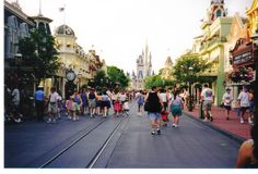 :DIStherapy: 1998 - 40 Days to 40 Years with WDW Fan Zone