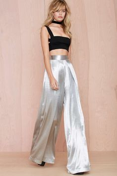 Buy London Stellis Wide Leg Trouser Silver for less! - Online shopping for London Stellis Wide Leg Trouser Silver! The best prices on London Stellis Wide Leg Trouser Silver! Wide Leg Trousers, Look Fashion, Fashion Outfits, Womens Fashion, Fashion Tips, Boho Hose, Jumpsuit Dressy, Look Street Style, Haute Couture