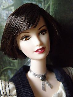 they are twinsies! don't judge me ppl I like searching for barbies that look like famous people. ALICE CULLEN :O