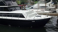 #Priceabate 32' Marinette Sedan Bridge TWO OWNERS, 650 hrs! All NEW, totally updated - Buy This Item Now For Only: $26900.0