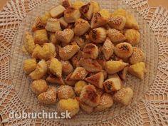 Pagáčiky s kyslou smotanou Dog Food Recipes, Almond, Cereal, Brunch, Potatoes, Snacks, Vegetables, Breakfast, Ethnic Recipes