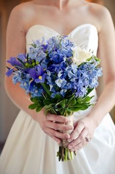 Are you thinking about having your wedding by the beach? Are you wondering the best beach wedding flowers to celebrate your union? Here are some of the best ideas for beach wedding flowers you should consider. Delphinium Wedding Bouquet, Iris Wedding Bouquet, Iris Bouquet, Bridesmaid Flowers, Hyacinth Bouquet, Bridal Bouquets, Cheap Wedding Flowers, Floral Wedding, Bride Flowers
