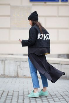 Diego Zuko hit the streets of Moscow for Mercedes Benz Fashion Week Russia. See the best in street style from the capital. Cool Street Fashion, Street Chic, Love Fashion, Fashion Outfits, Net Fashion, Urban Fashion, Street Wear, Korean Fashion Trends, Street Style Looks