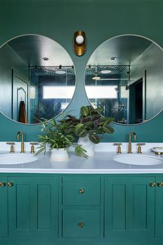 We fell in love with this bathroom because of its monochromatic, emerald green color palette, but there's so much more to it. When – Laundry Room Bathroom Mirror Design, Bathroom Interior, Green Colour Palette, Green Colors, Bathroom Inspiration, Bathroom Ideas, Pool Bathroom, Concrete Bathroom, Bathroom Stuff