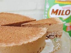 A crunchy chocolate crackle base with creamy malt cheesecake filling, this no-bake Milo cheesecake is dangerously decadent. Best Cheesecake, Chocolate Cheesecake, Cheesecake Recipes, Dessert Recipes, Thermomix Desserts, Dessert Ideas, Milo Recipe, Good Food, Yummy Food