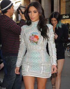 Kim Kardashian, a horas de su mega casamiento: mirá el look de la despedida de soltera en TN Famosos - TN.com.ar