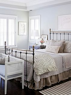 Vintage and modern pieces make a fantastic duo. See for yourself: http://www.bhg.com/decorating/decorating-style/flea-market/flea-market-home/?socsrc=bhgpin073015mixmaster&page=9