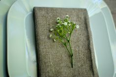Flower Friday - Easy Tablescape - Babys Breath