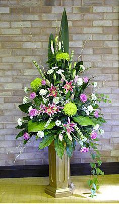 Quest For Contentment: Flower Arrangements: Ikebana, Tropical and Contemporary Funeral Floral Arrangements, Tropical Floral Arrangements, Large Flower Arrangements, Flower Arrangement Designs, Altar Flowers, Church Flowers, Funeral Flowers, Flowers Garden, Ikebana