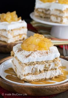 Cinnamon Apple Icebox Cake - no bake cheesecake, apples, and cinnamon make a great filling to this easy fall icebox cake! Make this easy recipe for fall parties and watch it disappear. Thanksgiving Desserts, Fall Desserts, Just Desserts, Delicious Desserts, Dessert Recipes, Party Recipes, Holiday Recipes, Baked Apple Dessert, Apple Desserts