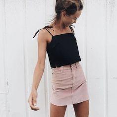 Letnia stylówka z różową spódnicą