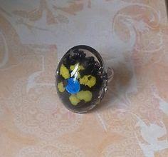Flower Design Resin Ring £5.00 By Lisa Jane