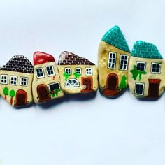 Cute idea for a pebble village row home lined street!