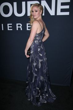 JULIA STILES at 'Jason Bourne' Premiere in Las Vegas 07/18/2016… Jason Bourne, Julia Stiles, Gorgeous Women, Las Vegas, Celebs, Actresses, Formal Dresses, Clothes, Fashion
