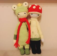 PAUL the toadstool and frog mod made by Ayse A. / crochet pattern by lalylala