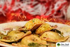 Sváteční ravioli s mandlovou ricottou Tempeh, Ravioli, Ricotta, Potato Salad, Shrimp, Potatoes, Menu, Ethnic Recipes, Food