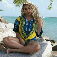 What a lovely look for the beach. Dashiki, Cravings, Cover Up, Yellow, Beach, Beautiful, Dresses, Vestidos, The Beach