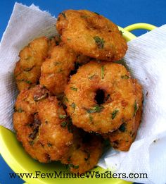 fewminutewonders: Avil Vadai/ Beaten Rice Vadai/ Poha Vada In 10 Minutes Indian Appetizers, Indian Snacks, Appetizer Recipes, Veg Recipes, Indian Food Recipes, Cooking Recipes, Snack Recipes, Cooking Rice, Poha Recipe