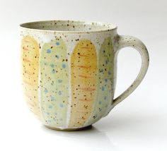 Ein sehr großer *Jumbo - Becher* Inhalt ca. 1/2 l  ideal z.B. für Kaffee mit ganz viel geschäumter Milch,  Steinzeug - gebrand bei 1240°C Spülmaschinen geeignet Lebensmittelecht  Sollen es...