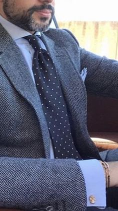 Business Attire, Business Fashion, Mens Fashion Suits, Mens Suits, Moda Formal, Tweed Suits, Classy Men, Dapper Men, Blazer Outfits