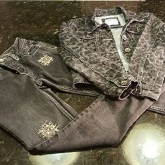 LITTLE LADY'S Justice jacket leopard & Bling Jeans HAILEY'S CLOSET  Girl's Justice denim jacket grey & black on back leopard print SIZE 10 , Girl's Justice Bling Jeans Simple Low  Size 8 R Justice Jackets & Coats Jean Jackets