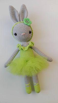 Crochet Bunny Pattern, Crochet Rabbit, Crochet Patterns Amigurumi, Cute Crochet, Amigurumi Doll, Knit Crochet, Crotchet Animals, Art Japonais, Doll Tutorial