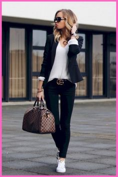 10 Key Pieces every Woman needs in her Wardrobe Casual Chic Outfit with Louis Vuitton Speedy Gucci Belt blazer and Adidas Superstars classy and chic Casual Chic Outfits, Classy Winter Outfits, Classy Work Outfits, Fall Outfits For Work, Style Casual, Winter Outfits Women, Office Outfits, Outfit Work, Casual Winter