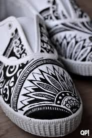 zapatillas pintadas - Buscar con Google Painted Canvas Shoes, Painted Vans, Painted Sneakers, Hand Painted Shoes, Painted Clothes, Custom Shoes, Custom Clothes, Diy Clothes, On Shoes