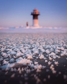 ~ Crazy cold afternoon today hiking in Rivinnokka lighthouse, Haukipudas. @andrew.studer bravely faced the harsh weather and modeled me with these snow flakes.