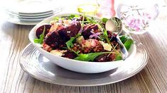 ROASTED BEETROOT, LENTIL AND FETA SALAD - This salad which combines the contrasting flavours of garlic and rosemary roasted beetroot with creamy, salty feta cheese makes the perfect side dish for your braai! Feta Salad, How To Make Cheese, Beetroot, Cooking Classes, I Love Food, Lentils, Salad Recipes, Romantic Recipes, Side Dishes