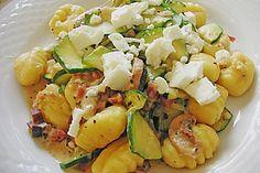 Gnocchipfanne mit Zucchini und Speck, ein schmackhaftes Rezept aus der Kategorie Gemüse. Bewertungen: 38. Durchschnitt: Ø 4,2.