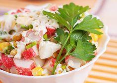 Succulente salade de goberge, maïs et avocat :http://roxannecuisine.com/recette/salade-succulente-de-goberge-mais-et-avocat/