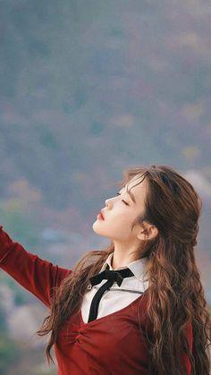 Beautiful Voice, Life Is Beautiful, Iu Gif, Lee Sung Kyung, Pop Photos, Aesthetic Desktop Wallpaper, Moon Lovers, Celebrity Wallpapers, Pop Idol