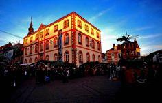 In Sankt Wendel wird es Nacht, ... wenn auch noch die Sonne lacht, gleich ist sie hier nicht mehr zu seh`n, doch auf dem Weihnachtsmarkt wird`s schön. :-)
