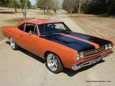 Orange-Plymouth-Road-Runner-1969