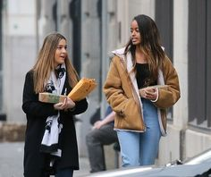 Malia Obama started her internship at the Weinstein Company in New York on Monday, 1/31/17. According to sources Malia is working in the production and development department, reading scripts and deciding which are worth pitching to executives - such as Harvey Weinstein - to put into development. The internship will run through the spring and pays around $9 an hour.