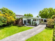 http://tallpoppy.co.nz/homes-for-sale/TPPN1602/