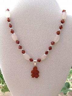 Quartz Handmade Fashion Jewelry Necklace with Girl Pendant