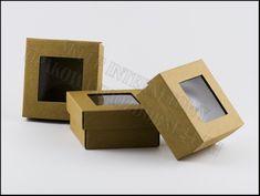 Pudełka ozdobne eko z okienkiem. Mocne i sztywne pudełko eko. Opakowania można wykorzystać do zapakowania drobnego produktu lub jako pudełko ozdobne na apaszkę, pudełko ozdobne na prezent. Glamour, The Shining
