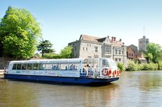 Experience the beautiful River Medway in a totally unique way by hosting your wedding reception on the Kentish Lady. It has a fully licensed bar, and you can privately charter it for your celebration.