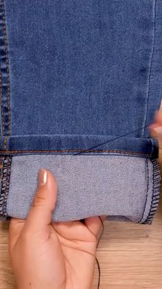 Diy Clothes Life Hacks, Diy Clothes And Shoes, Clothing Hacks, Sewing Clothes, Sewing Basics, Sewing Hacks, Sewing Tutorials, Sewing Crafts, Sewing Projects