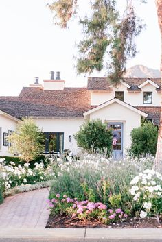 Unique House Design, Dream Home Design, My Dream Home, Dream Homes, Arcadia Phoenix, Phoenix Arizona, Cottage Farmhouse, Cottage Style, Cottage Interiors