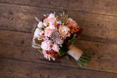 22 Incredible Autumn Wedding Bouquets you'll LOVE Bridal Bouquet Fall, Rose Wedding Bouquet, Fall Wedding Bouquets, Fall Wedding Flowers, Autumn Wedding, Wedding Centerpieces, Bridal Bouquets, Pale Pink Weddings, The Incredibles