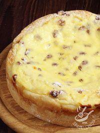 TORTA DI RICOTTA AL MARSALA La Torta di ricotta al Marsala è un dessert semplice ma irresistibile. Si presta ottimamente per una golosa merenda o un ottimo dopocena.
