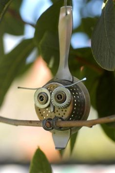 Old Strainer Spoon thingy, owl Garden Crafts, Garden Art, Garden Deco, Owl Always Love You, Welding Art, Mig Welding, Scrap Metal Art, Owl Crafts, Junk Art