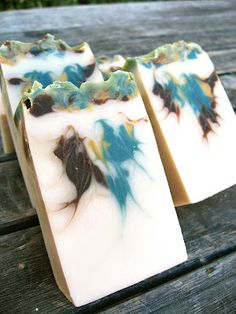 Soap Restless: The Legend of Mai-Coh - droplets of color inside, hanger swirl through Soap Making Recipes, Soap Recipes, Savon Soap, Soap Maker, Essential Oil Scents, Handmade Soaps, Handmade Products, Soap Packaging, Perfume