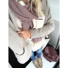 uniquejules Plaid Scarf, Selfie, Blog, Backpack, Wine, Inspiration, Style, Fashion, Scarves